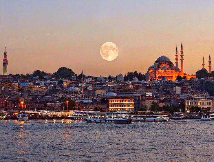 evening-view-of-suleymaniye-mosque-1551-1557-and-beyazit-tower-1749-also-named-seraskier-tower-from_t20_v2e2gv