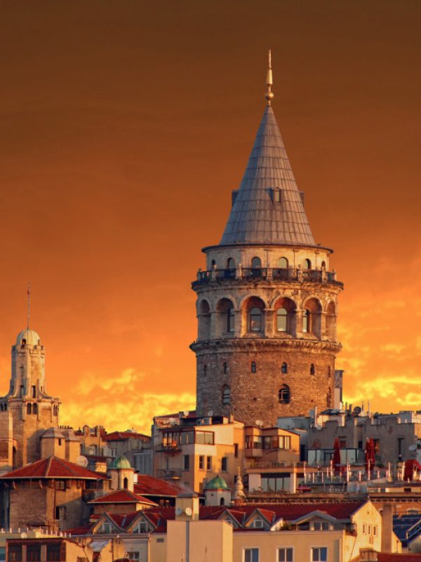 sunrise-on-historical-galata-tower-in-istanbul-turkey_t20_0AY1WB
